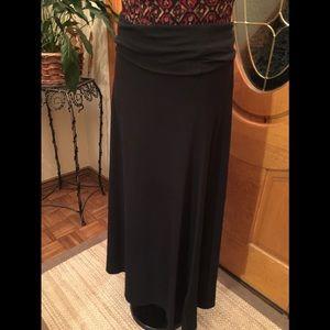 NEW LISTING! 02/15/19 Lularoe black skirt size S